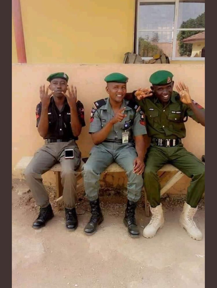 IGP Adamu Orders For Investigation Of Policemen Displaying APC 4+4 Sign