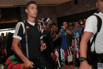Cristiano Ronaldo And Juventus Stars Mobbed, Arrive Singapore For ICC2