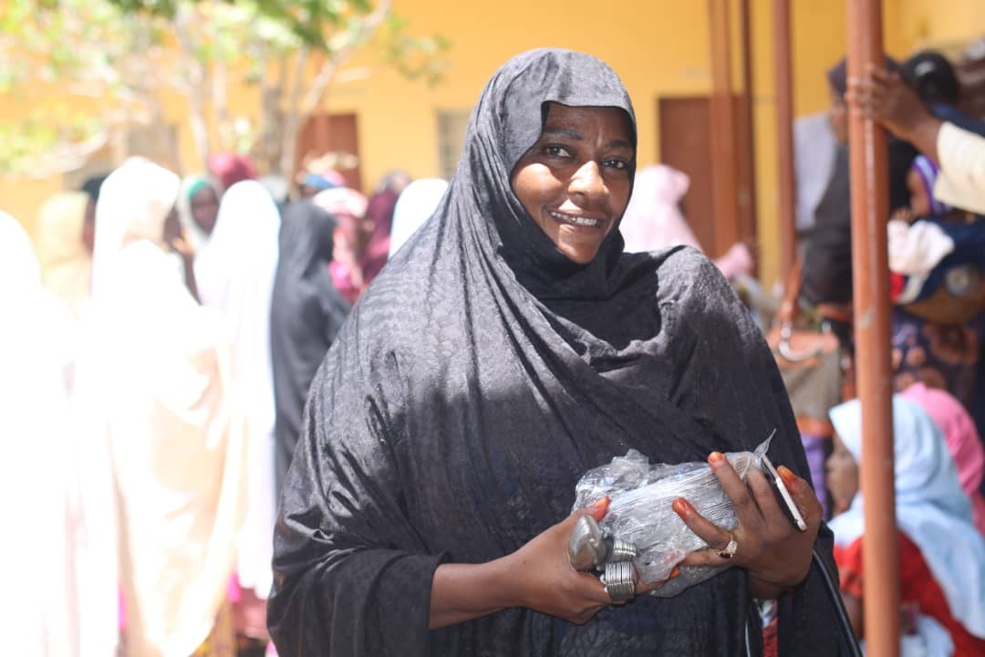 FG commences distribution of utensils to public primary school Pupils (pictures)