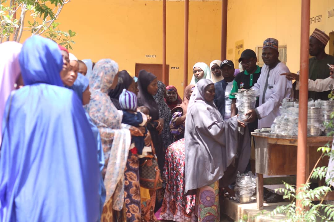 FG commences distribution of utensils to public primary school Pupils (pictures)1