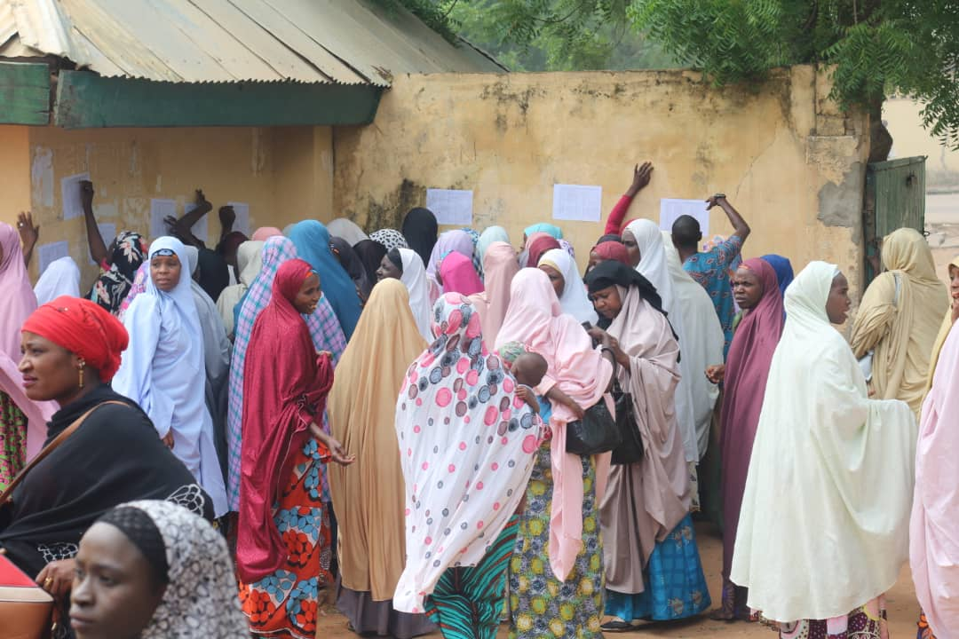 FG commences distribution of utensils to public primary school Pupils (pictures)3