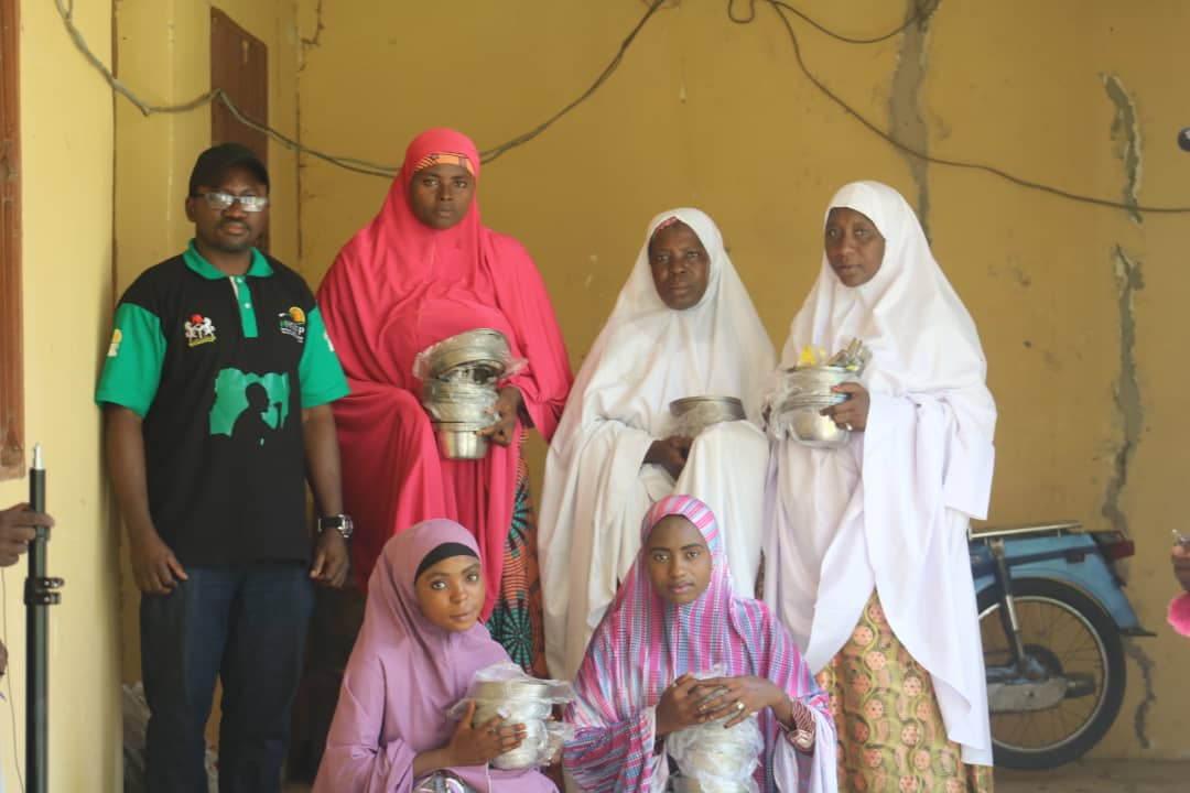 FG commences distribution of utensils to public primary school Pupils (pictures)5
